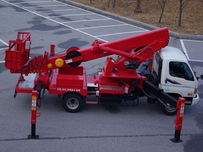 Автогидроподъемник ПСС-141.28Э (AWP-280) на шасси Hyundai,КамАЗ